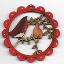 Robin in branch with pear scallop deco 6cm